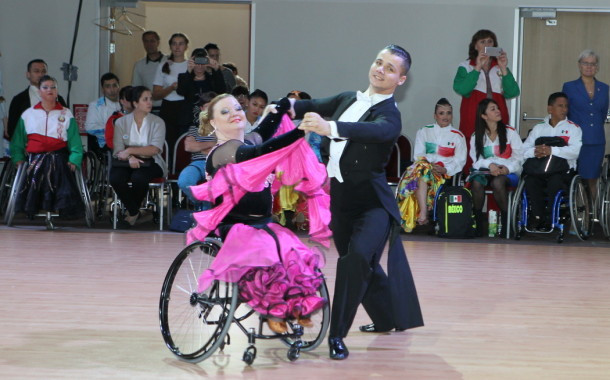 Инвалиды-колясочники из 20 стран мира станцевали в Петербурге