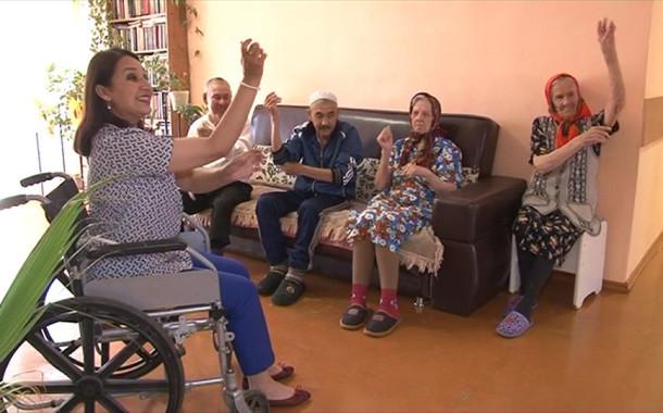 В Башкирии инвалид-колясочник открыла школу танцев для пенсионеров