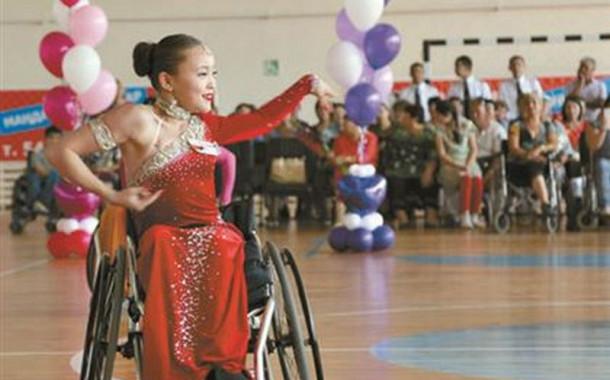 Её особенная жизнь: как живет двукратная чемпионка Азии по танцам на колясках