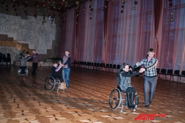 Они танцуют ни чуть не хуже профессиональных танцоров. Фото: АиФ / Александра Горбунова