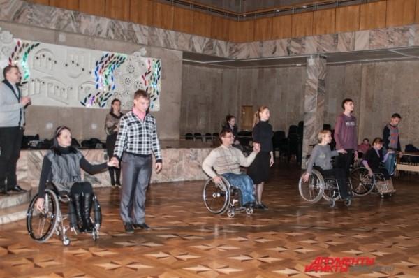Для людей в инвалидном кресле танец - это отдушина. Фото: АиФ / Александра Горбунова