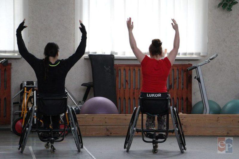 Впервые танцы на колясках появились в Великобритании в 1960-х годах, в 1997 году – в Беларуси.