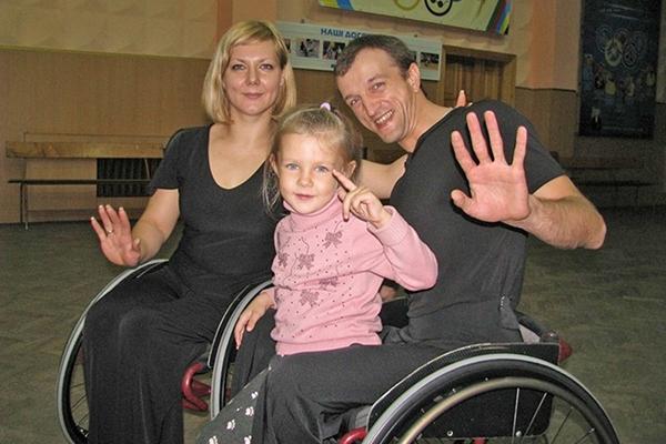 Надя и Иван с дочкой Дарусей