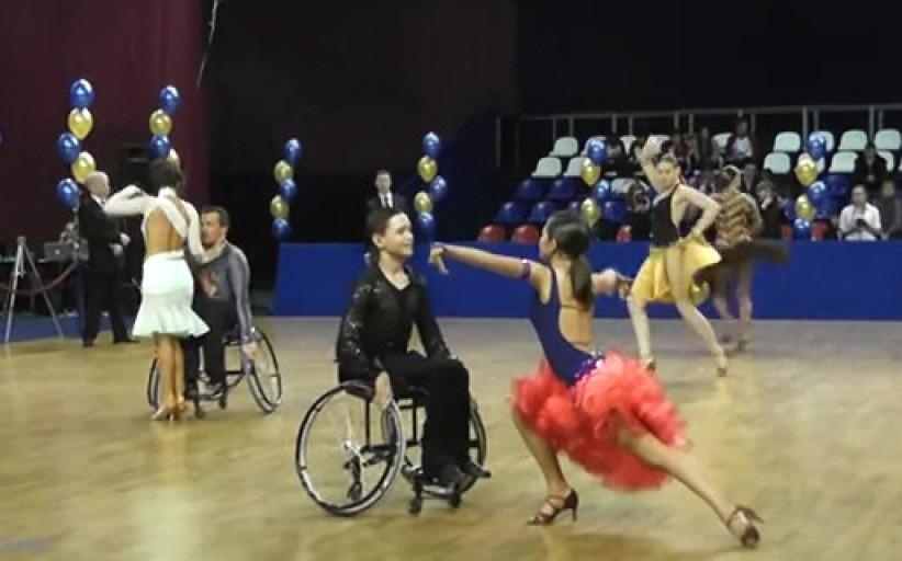 Чемпионат России по спортивным танцам на колясках 2012.  Фото / Видеообзор