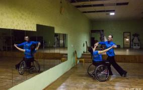 Дотанцевать до Олимпиады. Как могилевские танцоры на коляске-