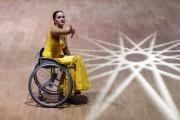 Пошли-поехали: как в Подмосковье учат танцам на колясках