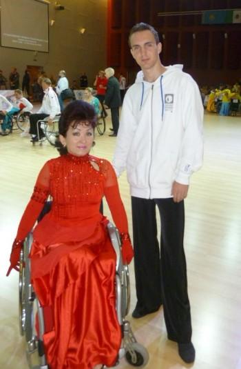 Костанайские танцоры на колясках вернулись из Санкт-Петербурга с медалью и большими планами