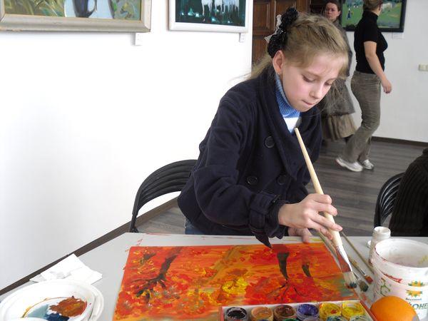 Лена Стефняк. Рисуя осень