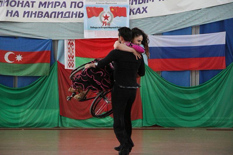 Виртуозы поддержек Вюсяла Каримова и Фарид Алиев.