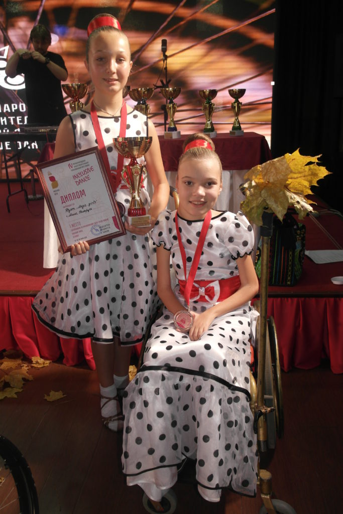 Дуэт «Magic girls» после награждения, 1 место по шоу