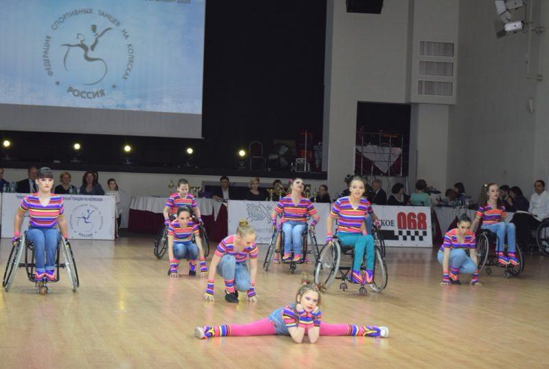 Петербург продолжит оказывать поддержку спортсменам-колясочникам
